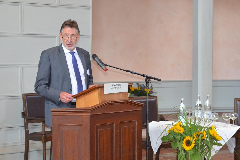 Oberbürgermeister Jann Jacobs eröffnet den Genossenschaftstag 2016